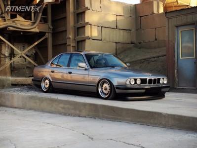 1990 BMW 535i - 16x7 0mm - Prime  - Air Suspension - 195/45R16