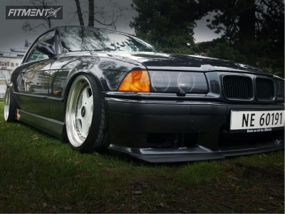 1994 BMW 320i - 17x8.5 13mm - OZ Racing  - Coilovers - 205/40R17