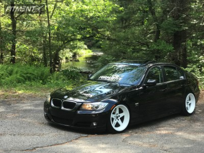 2009 BMW 3 Series - 18x10 20mm - Cosmis Racing Xt-005r - Coilovers - 235/40R18
