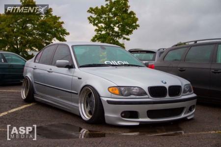 2004 BMW 320i - 17x9.5 20mm - OZ Racing Futura - Coilovers - 205/40R17