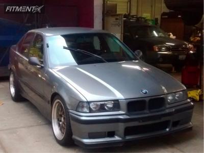 1992 BMW 318i - 18x8.5 30mm - ESR Sr01 - Lowering Springs - 255/40R18